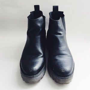 Shoes - 🆕H&M Chelsea Boot with Platform